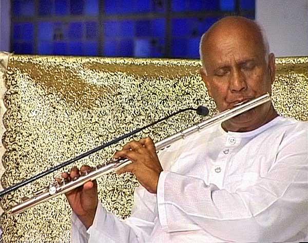 srichinmoy-western-flute.jpg