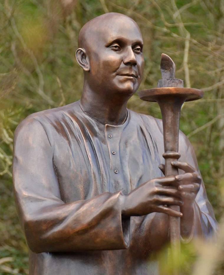 wales.statue-sri-chinmoy